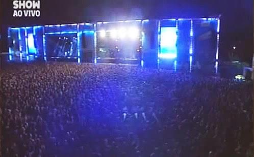 """40 mil pessoa mandam Dilma """"tomar"""" em show do Rappa"""