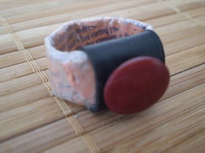 gyűrű BKV jegyből és bicikli gumibelsőből