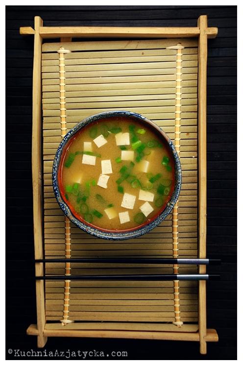 Zupa miso z tofu © KuchniaAzjatycka.com