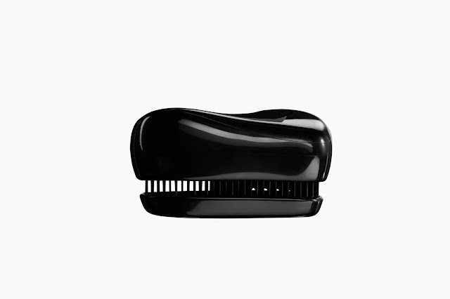 Tangle Teezer Compact Styler in Rock Star Black, haircare, brush, detangling, beauty, tool, review, toronto, ontario, canada, the purple scarf, melanie.ps, uk,