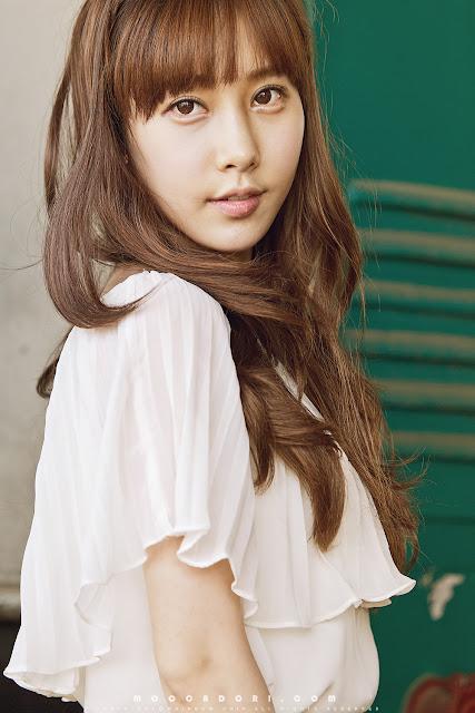 4 Im Min Young - Outdoor-very cute asian girl-girlcute4u.blogspot.com