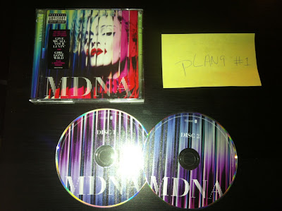 Madonna-MDNA-(Deluxe_Edition)-2CD-2012-pLAN9