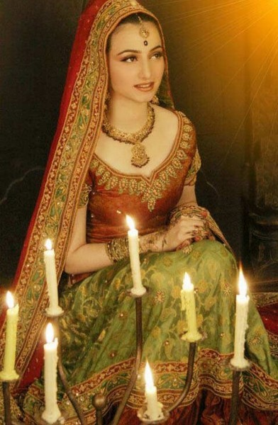 Latest Pakistani Dresses 2011