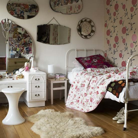bedroom decorating ideas teenage girls bedroom with floral wallpaper
