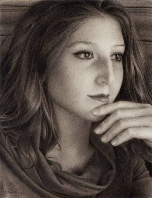 03-Chiaras-Portrait-Hyper-Realistic-Emanuele-Dascanio-Portraits-www-designstack-co