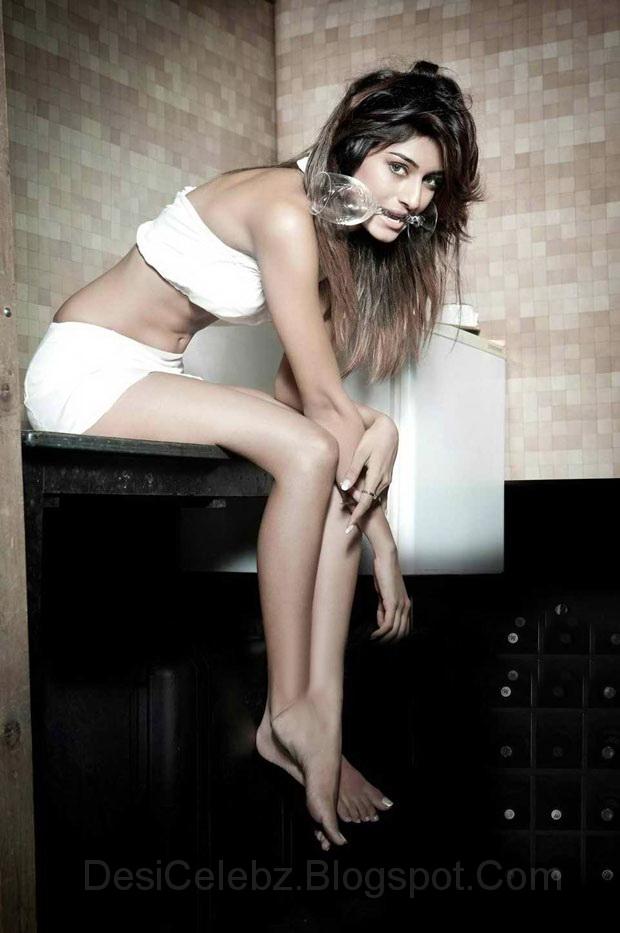 Erika Fernandez Hot photoshoot