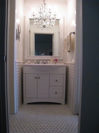 LittleHobbiesForHome: Bathroom Chandeliers