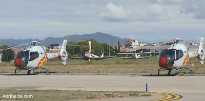 Entre els dos Eurocopter EC 120B Colibri es veuen el DC-3 i l'Antonov.