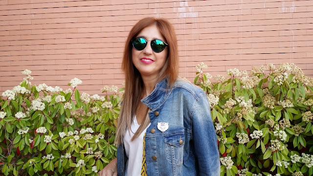 Denim Jacket, Hard Rock Café Madrid, Baggy Pants, Caqui, Tshirt, Camo Bag, Ring, Plataform Shoes, Carmen Hummer