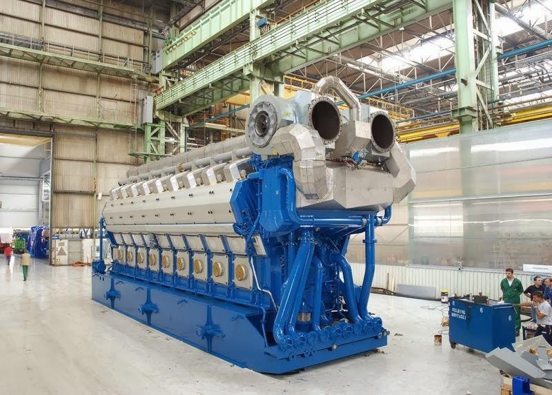 world 39 s largest four stroke gas engine. Black Bedroom Furniture Sets. Home Design Ideas