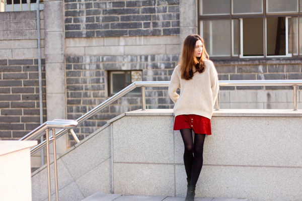 boyfriend sweater, varsity sweater, oversized sweater, aritizia, waffle knit, zara, red skirt, korean fashion, korean style, travel fashion, fall fashion