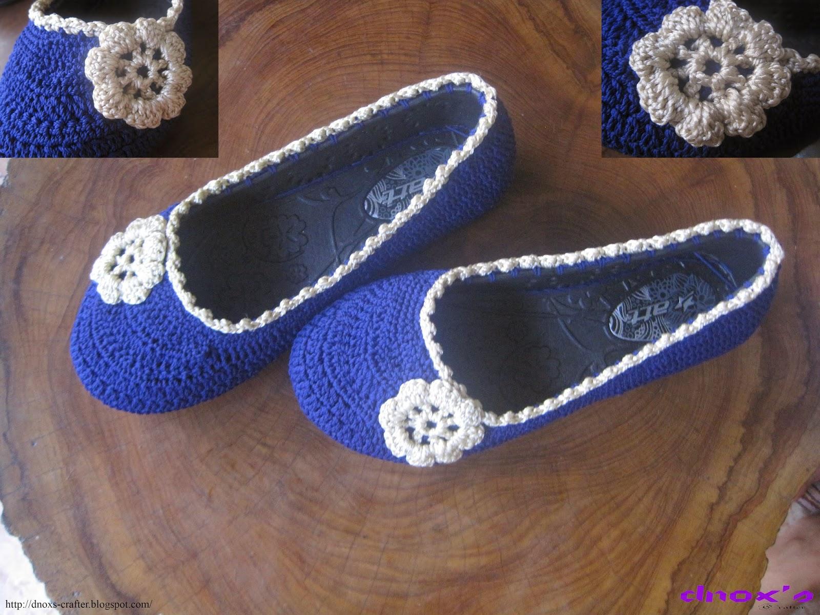 Sepatu rajut karet biru