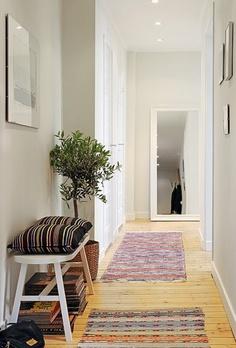 Decora con espejos para agrandar la habitaci n decora y for Espejos para pasillos