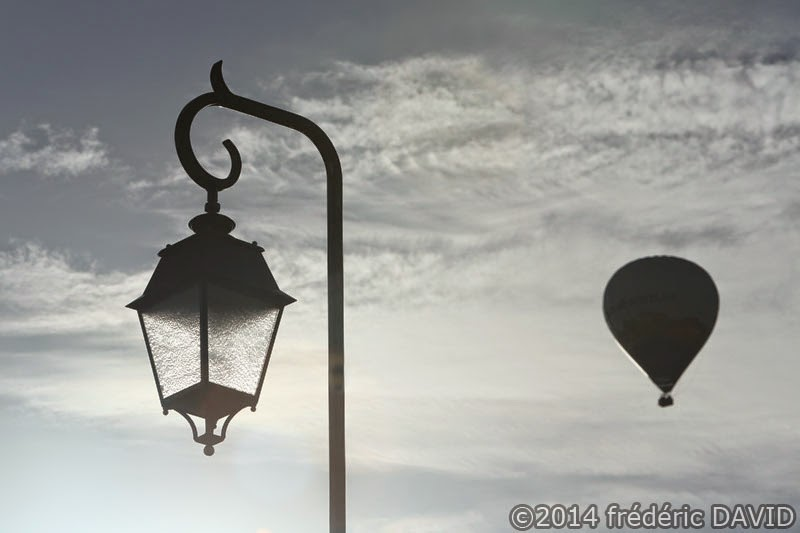 lampadaire silhouette montgolfière ballon aérien Seine-et-Marne