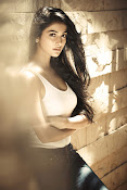 pooja hegde latest glamorous photos-thumbnail-3