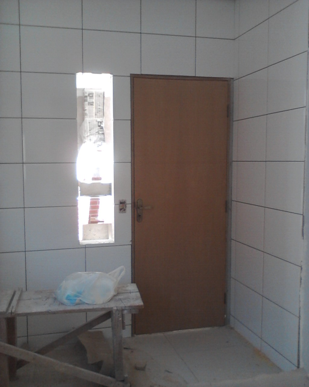 Portas e Guarnições Instaladas e granito cozinha e banheiro pronto #5C4438 1024 1280