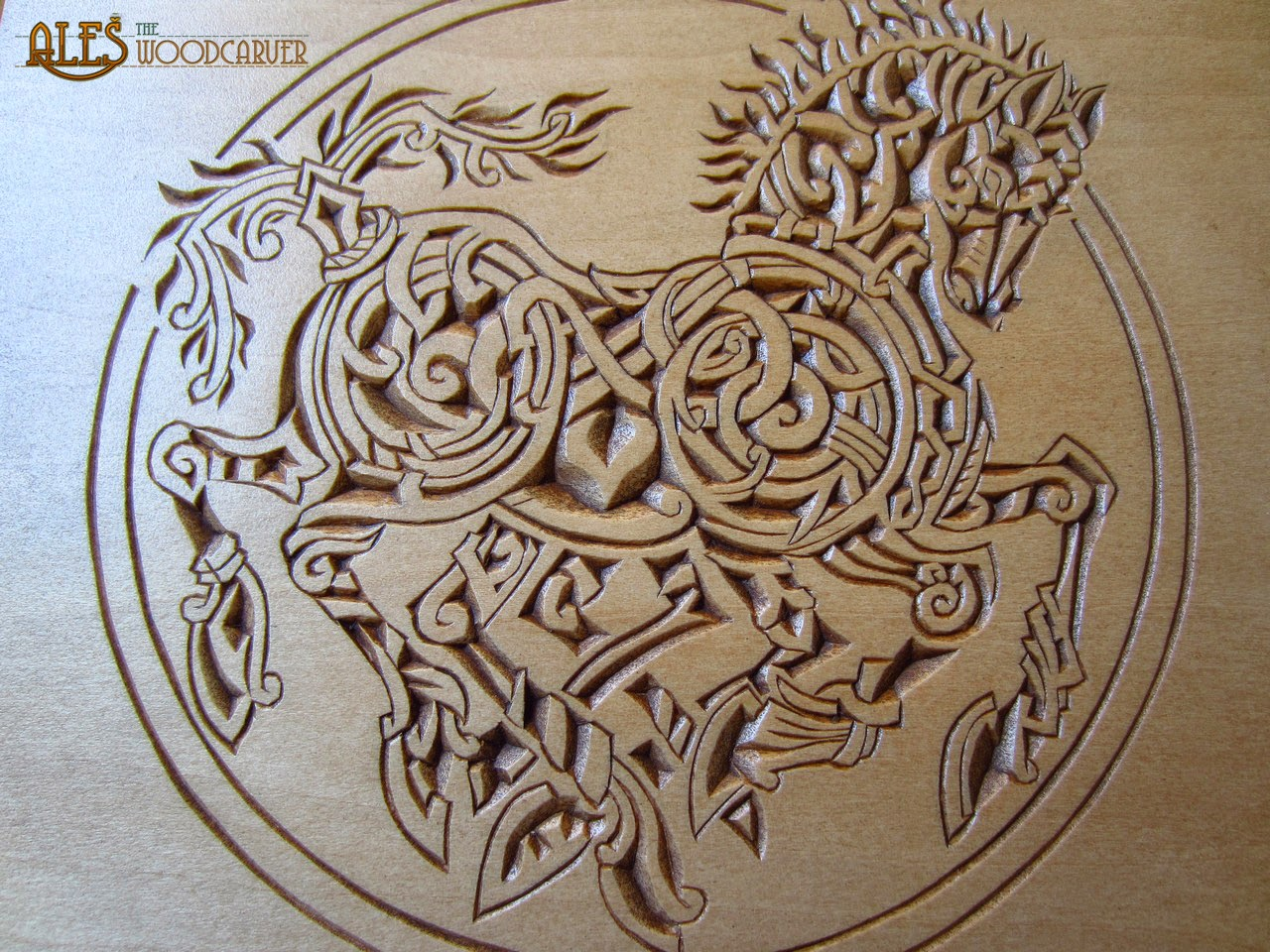 Ales the woodcarver chip carved sleipnir trinket box