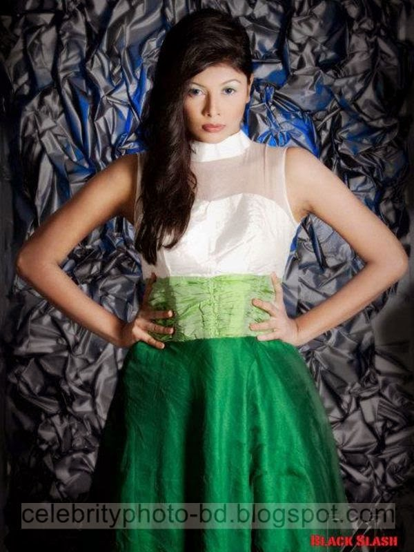 Ramp+Model+Mumtaheena+Toya+Studio+Black+Slash+PhotoShoot+And+Hot+Pose002