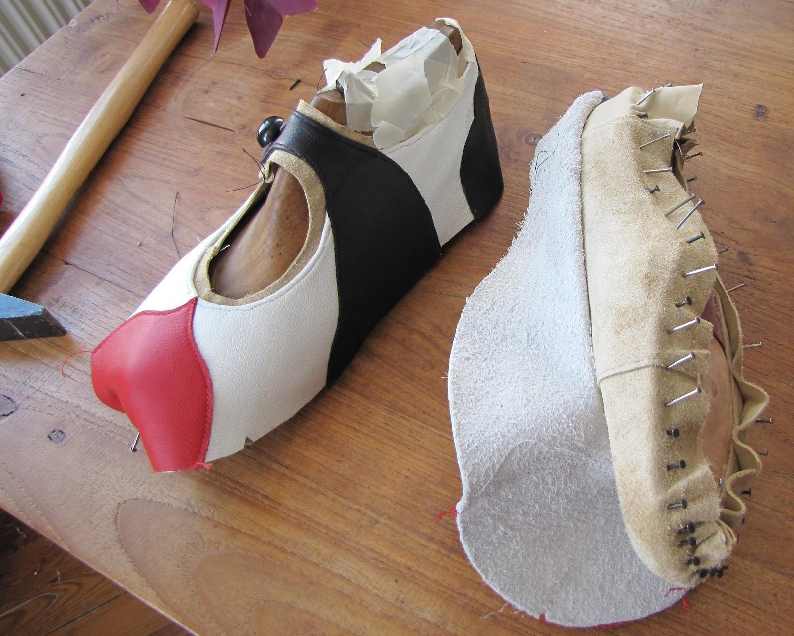 Переделка обуви своими руками / чем украсить босоножки обувь 92