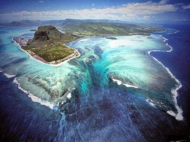 """شاهد أغرب وأعجب شلال على الكرة الأرضية """" شلال تحت مياه البحر """" !!!!"""