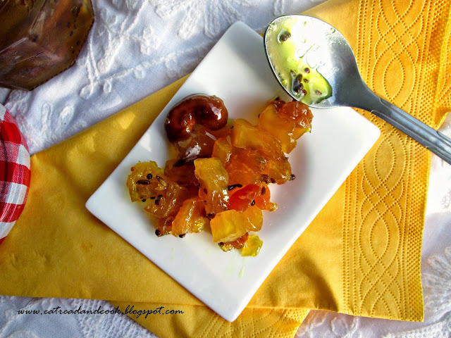 How to cook a proper bengali anarser chutney with bengali five spices