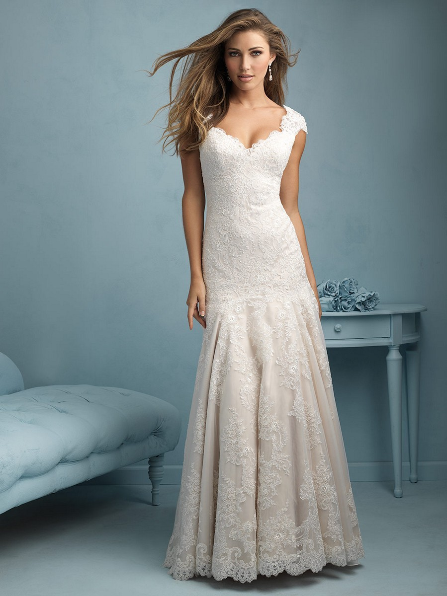 Cool and Cool: Wedding Dresses With Cap Sleeves And Sweetheart Neckline