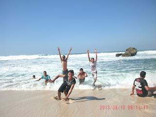 Indahnya Berseru di Pantai Buyutan