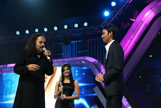 Hariharan with Filmfare Awards South