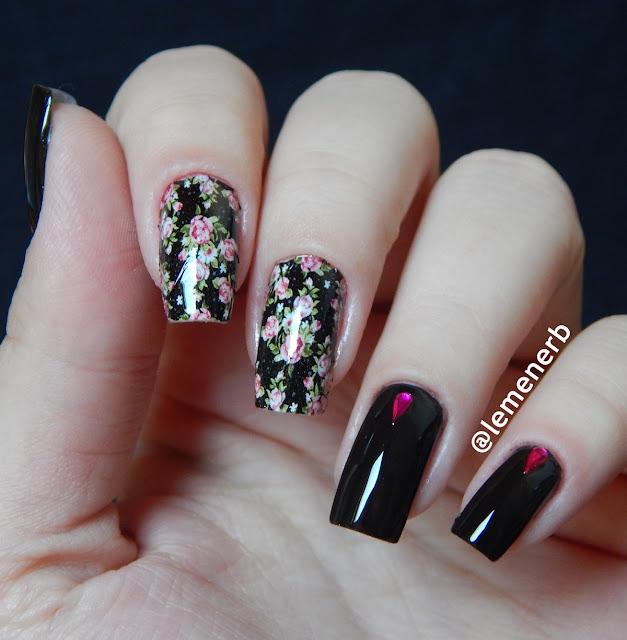 unha decorada com flores