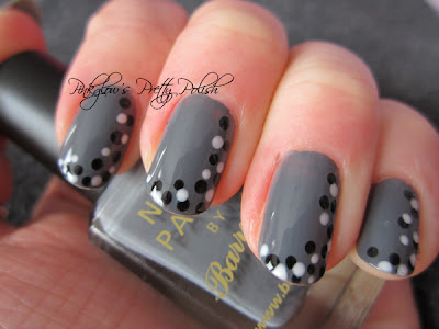 Grey_nail_art_with_monochromatic_dots