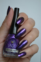 http://kakinenailart.blogspot.fr/2013/05/jade-diamond-velvet.html