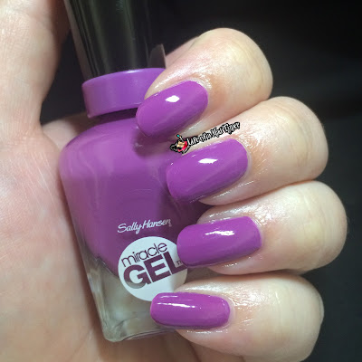 Sally Hansen Reformulated Miracle Gel Top Coat in Up the Ante.