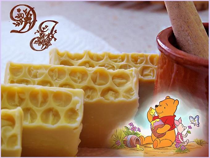 Delicias de jabon de miel y cera pura de abejas.
