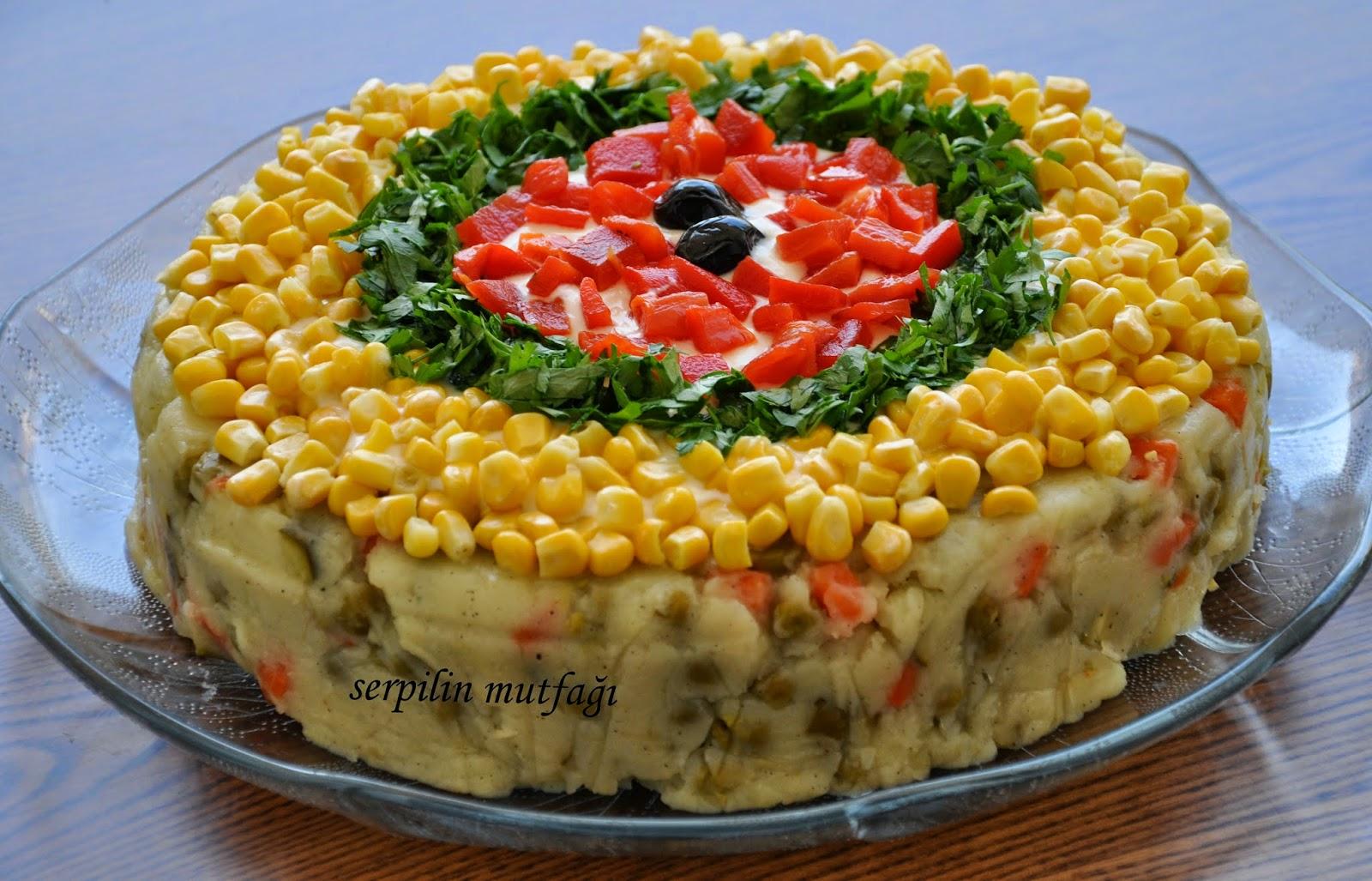 Kek Kalıbında Patates Salatası