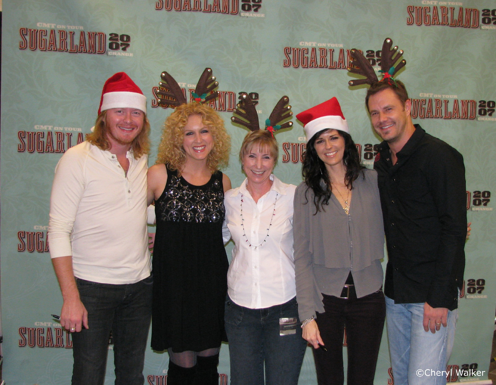Cheryls pearls pics n ponderings sugarland little big town and his road manager tried to sneak one of the antlers away from me but i needed it for little big towns meet and greet which was next m4hsunfo