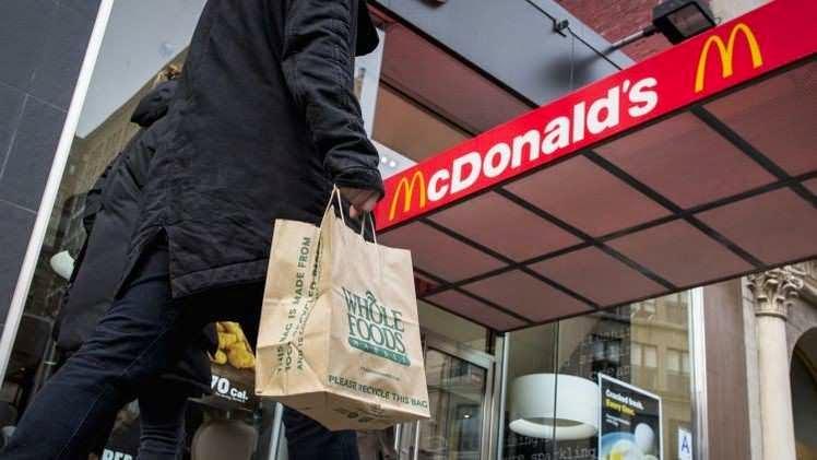 Ventas de McDonald's caen en EEUU por ingredientes perjudiciales para la salud