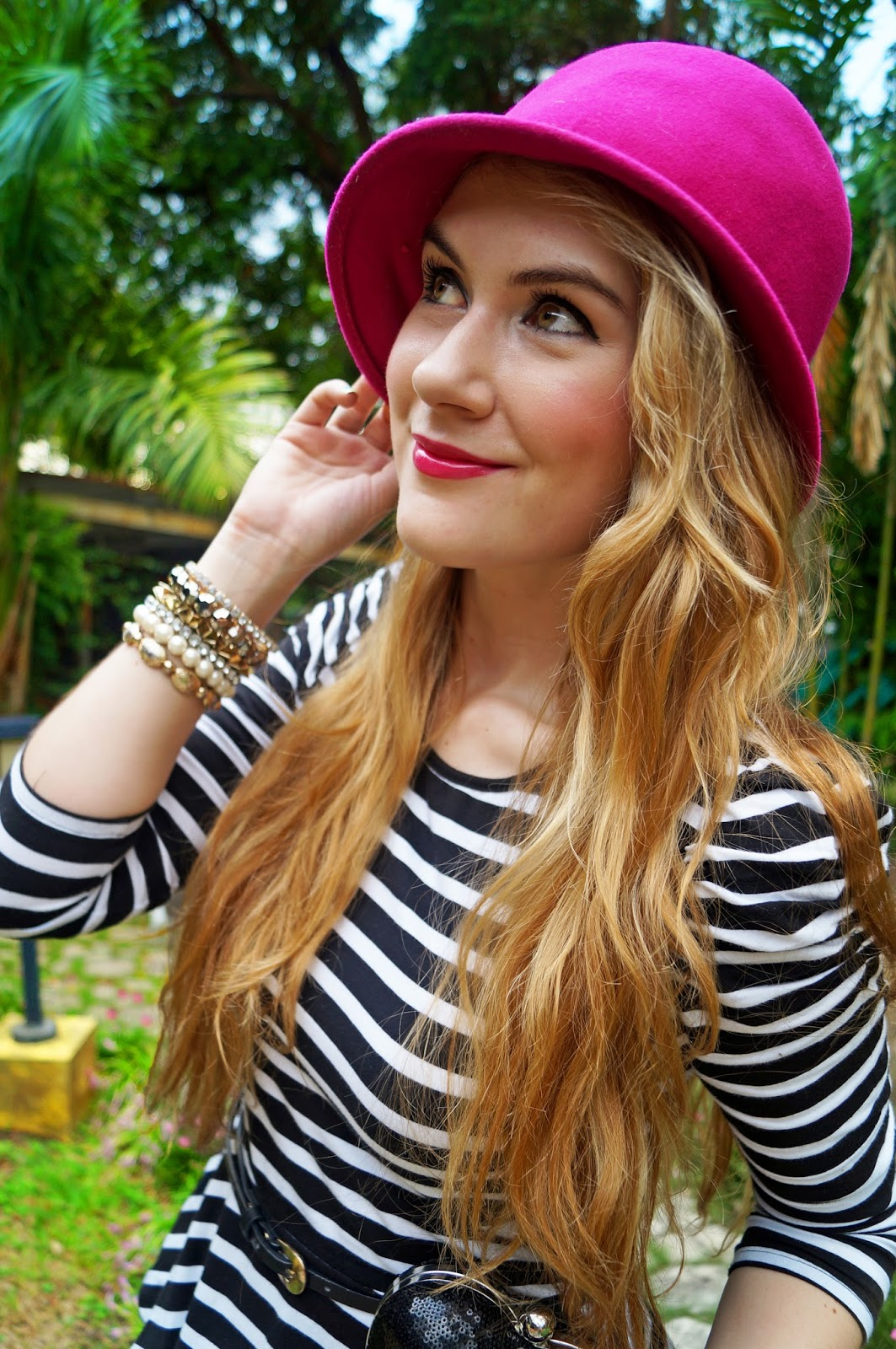 Everyday Fashion Blog, Feminine Makeup, Covergirl Pink Lipstick, Pink Hat