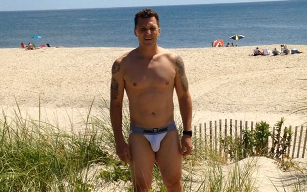 kenneth in the (212) jump: Behold Sean Avery's Ass in a ...