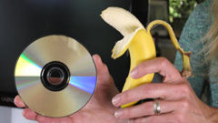 http://www.aluth.com/2014/05/CD-DVD-Cean-use-banana-toothpast.html