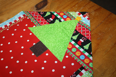 Sew it 39 s midnight mama christmas table runner for 10 minute table runner directions