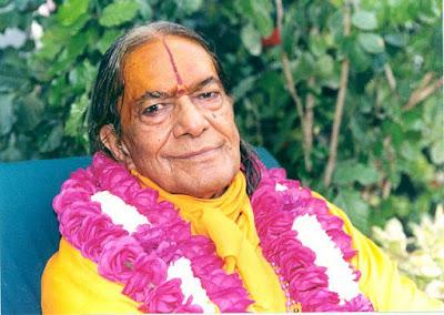 Our beloved guru Jagadguru Kripaluji Maharaj