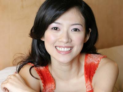 Zhang Ziyi Sexy Smile Wallpaper