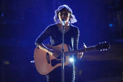 Dia Frampton performing Losing My Religion by R.E.M. on The Voice