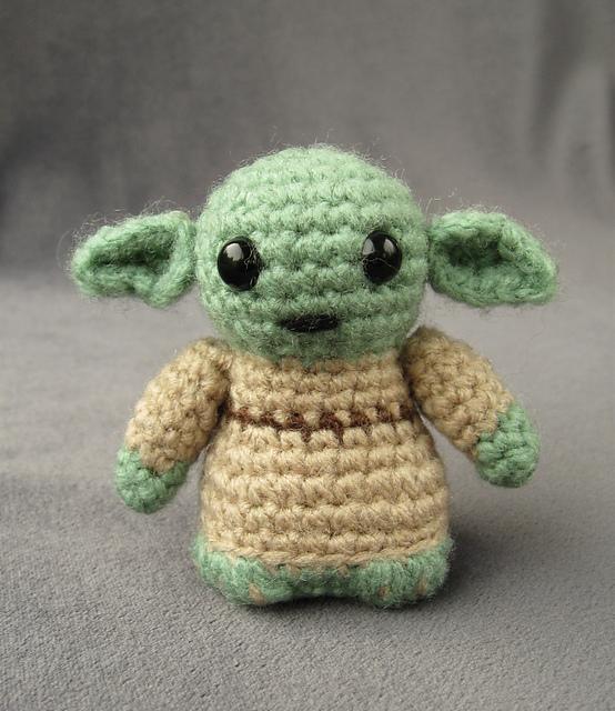 SW_Yoda_01e_medium2.jpg