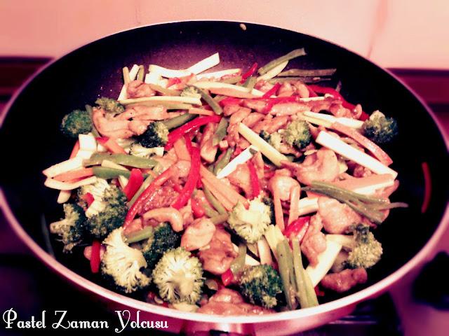Çin Usulü Tavuk, Tavuk Yemeği, Soya Soslu Tavuk Tarifi, Çin Usulü Tavuk Tarifi, Sebzeli Tavuk Yemeği Tarifi