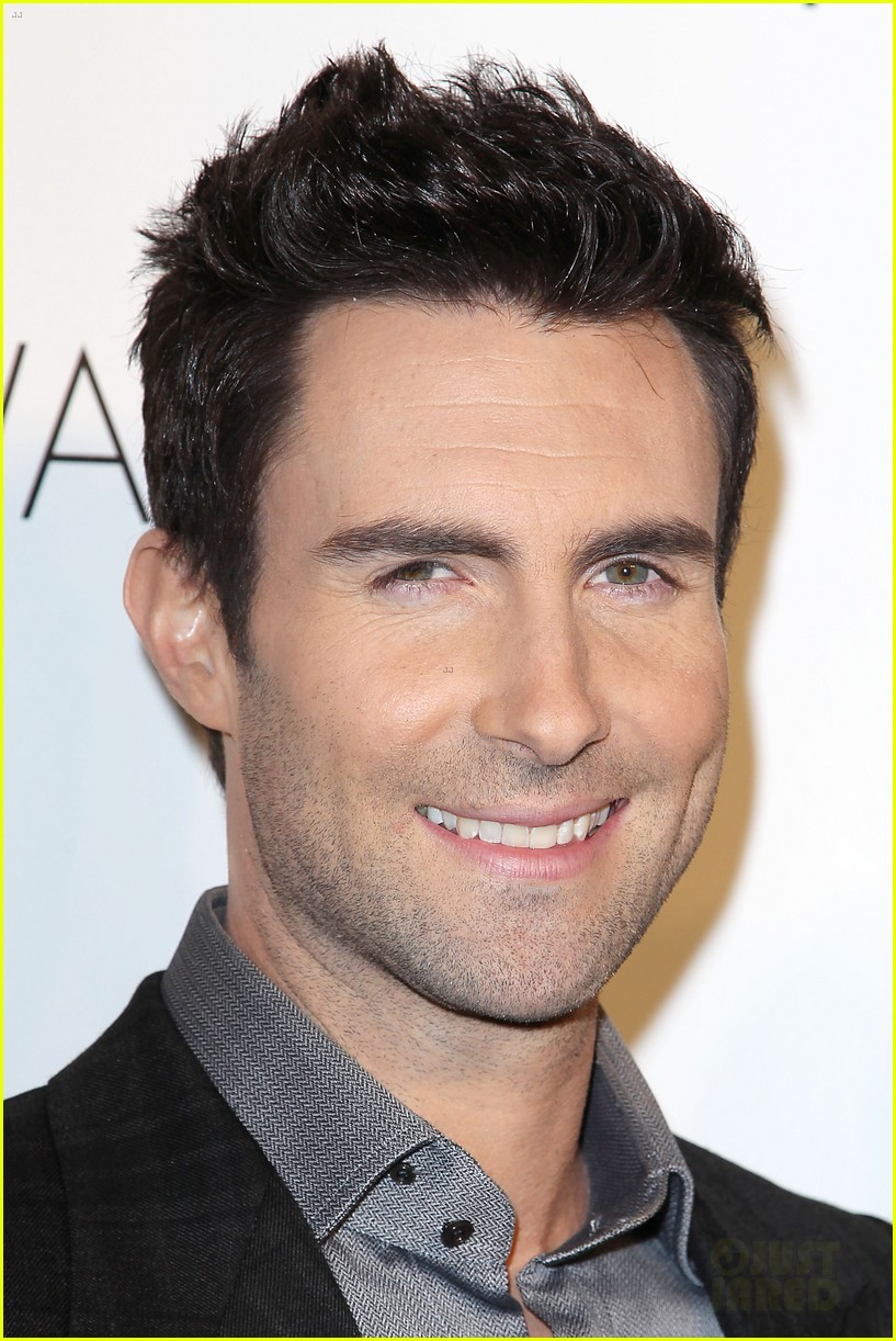 Adam Levine Hairstyle Men Hairstyles Dwayne The Rock