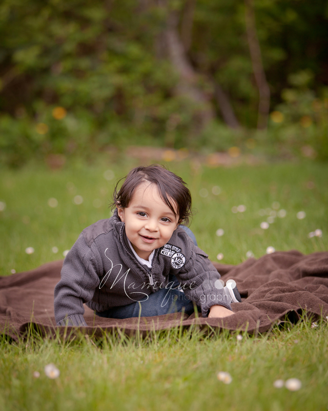 North Vancouver family photography - cute boy outdoors