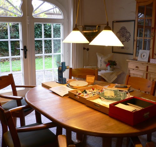 werkstatt f r historische stickmuster juni 2014. Black Bedroom Furniture Sets. Home Design Ideas