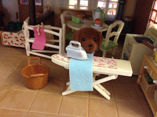 Sylvanian Families Vintage Ironing Board Highfields Farm Hunter-Smyth Chocolate Labrador Family