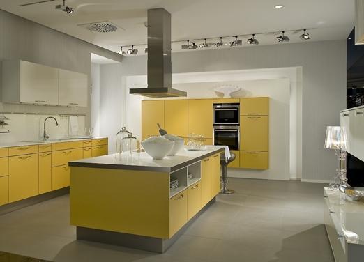 Luxe Keuken Accessoires : De bovenkastjes zijn echt taboe in de keuken van 2011. Daarvoor komen